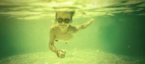 groen zwembadwater